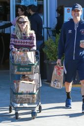 Reese Witherspoon and Her Husband - Shopping at Bristol Farms in Los Angeles, December 2014