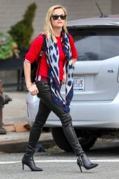 Reese Witherspoon - Christmas Shopping at the John Derian Store - December 2014