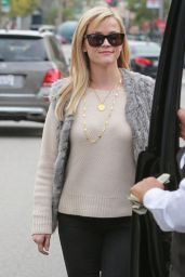 Reese Witherspoon Style - at the Palm Restaurant in Beverly Hills - December 2014