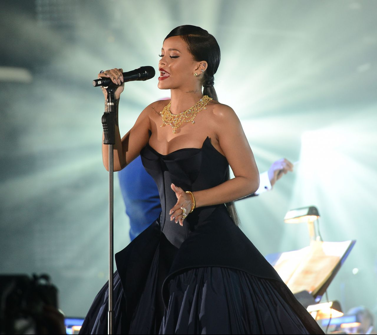 Rihanna Performs Live At The Clara Lionel Foundation