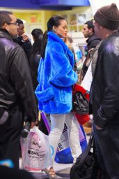 Rihanna - Shopping in New York City - December 2014