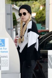 Rumer Willis - at a Gas Station in West Hollywood, December 2014