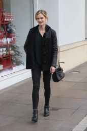 Sara Paxton Style - Shopping at the Grove in Los Angeles, Dec. 2014