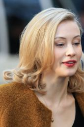 Sarah Gadon - On the Set of