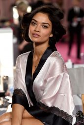 Shanina Shaik – 2014 Victoria's Secret Fashion Show in London – Hair And Makeup