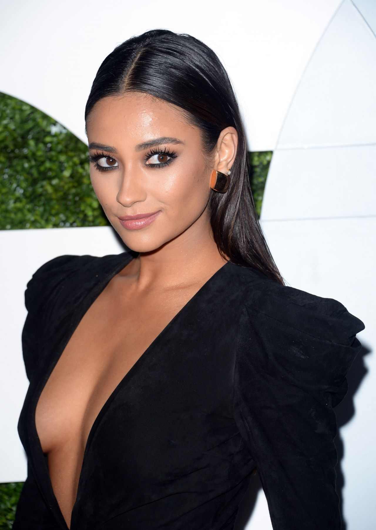 Shay Mitchell 2014 Gq Men Of The Year Party In Los Angeles