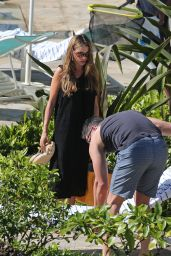 Sofia Vergara Bikini Candids - at a Pool in Hawaii, December 2014