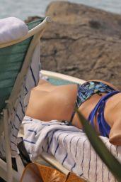 Sofia Vergara in a Bikini - at a pool in Hawaii, Dec. 2014