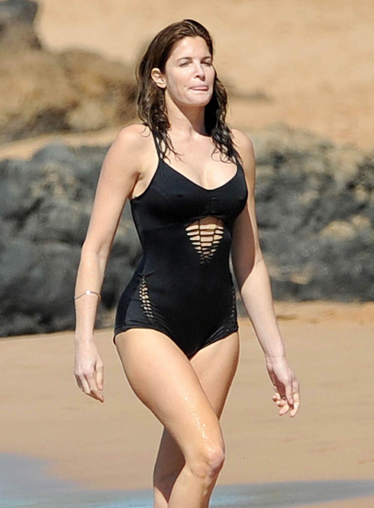 Stephanie Seymour In Black Swimsuit In Hawaii December 2014