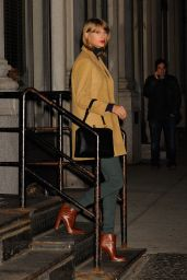 Taylor Swift - Leaving Her Apartment in New York City - Dec. 2014