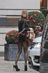 Taylor Swift Leggy - Arriving at Her Hotel in London - December 2014