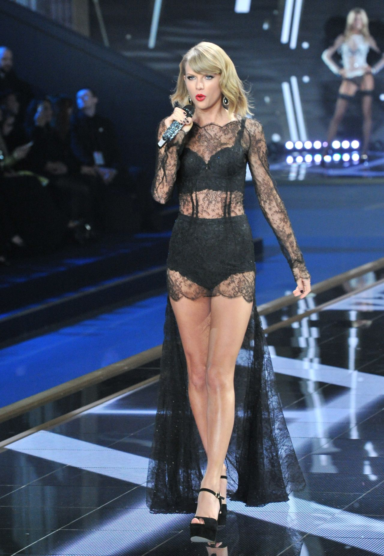 81f6ab65a97 Taylor Swift Performs at Victoria's Secret Fashion Show in London –  December 2014