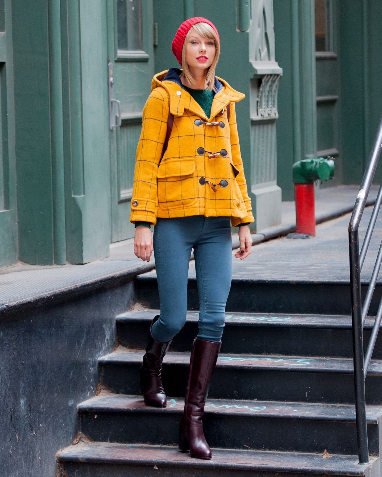 Taylor Swift Street Style Out In New York City December 2014