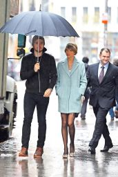Taylor Swift Style - Going to a Broadway Play in New York City - December 2014