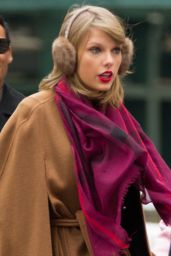Taylor Swift Winter Style - With Lena Dunham Leaving Bubby