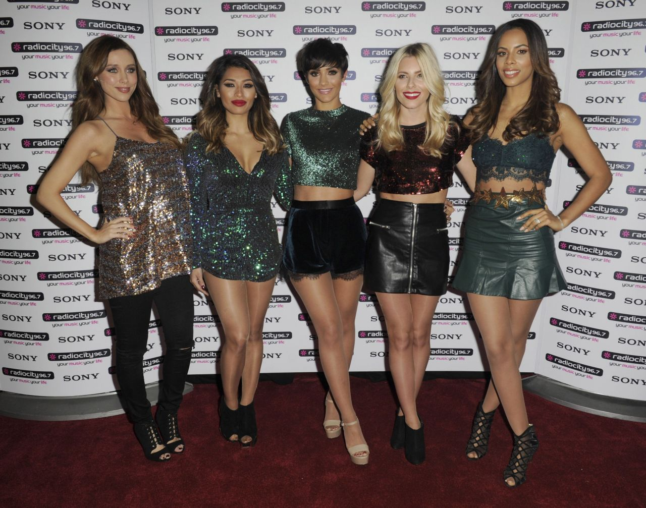 The Saturdays Performing At Radio City Christmas Live In