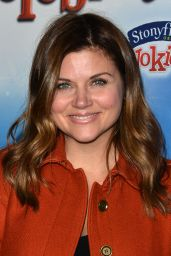 Tiffani Thiessen - Disney On Ice Presents Let