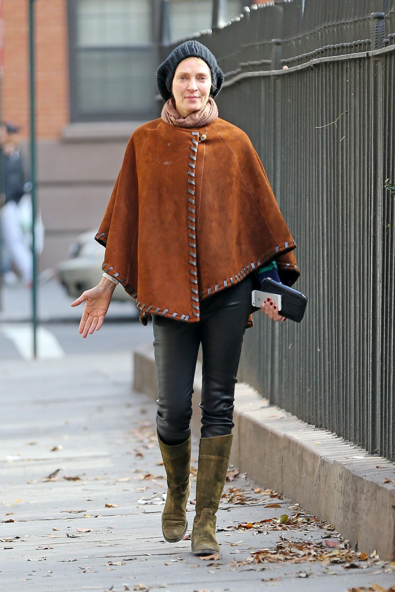 Uma Thurman In A Suede Poncho Out In New York City
