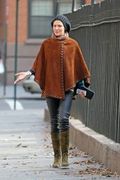 Uma Thurman in a Suede Poncho - Out in New York City - December 2014