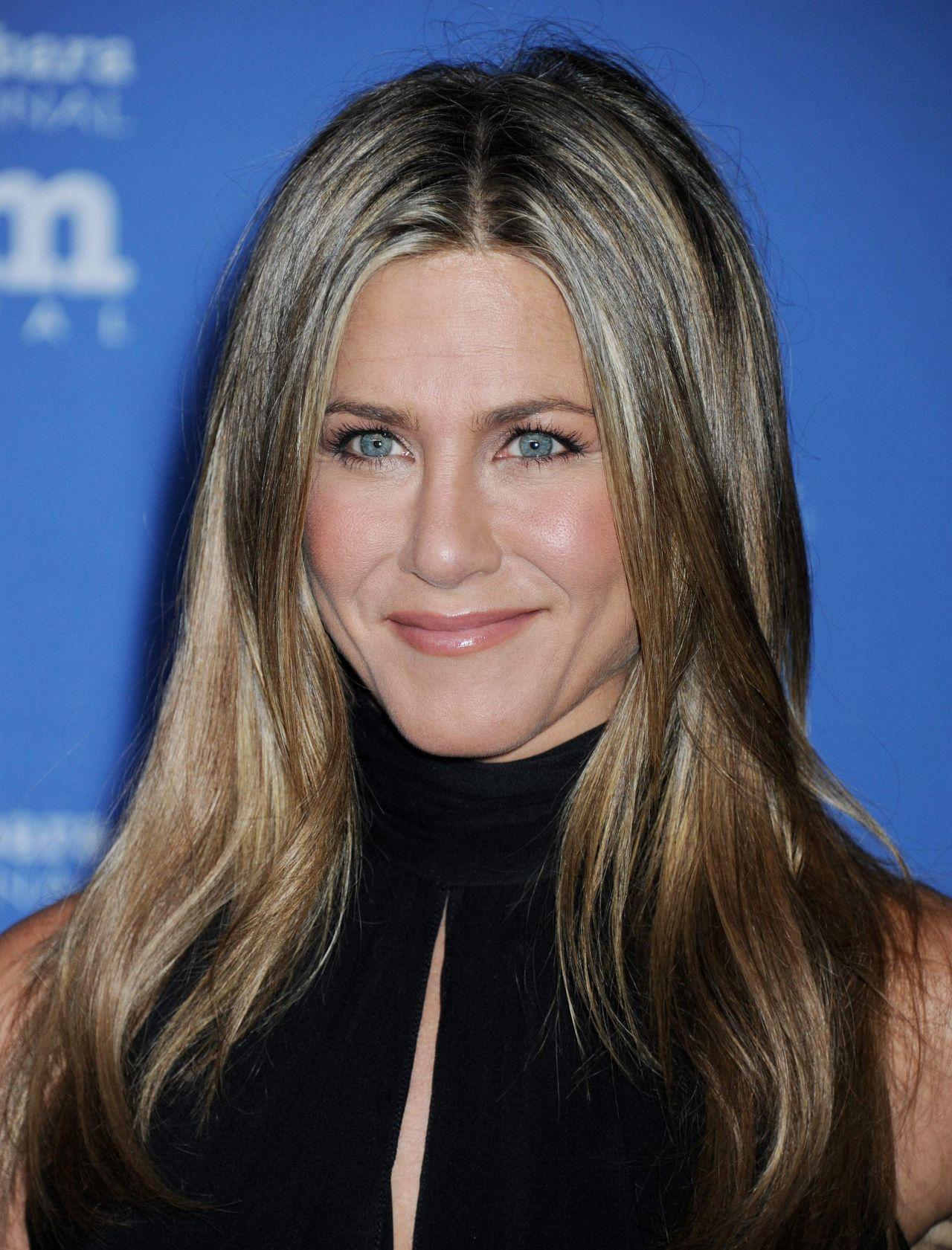 Jennifer Aniston – 2...