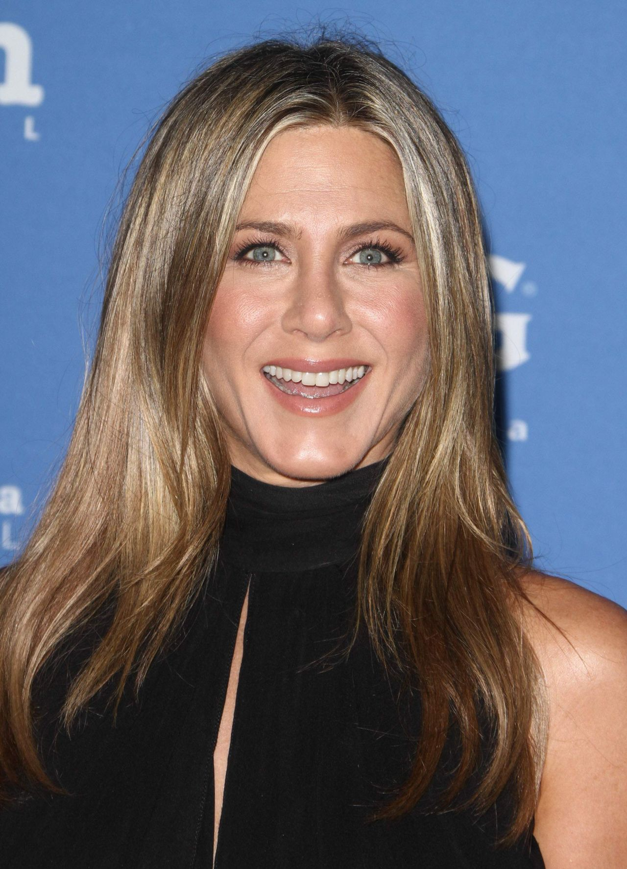 Jennifer Aniston – 2...