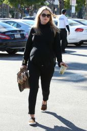 Ali Larter Street Style - Leaving Whole Foods in West Hollywood - Jan. 2015