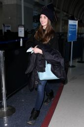 Alison Brie - at LAX Airport in Los Angeles, January 2015