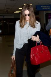 Allison Williams Style - at LAX Airport, Jan. 2015