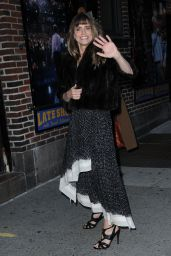Amanda Peet Arriving to Appear on