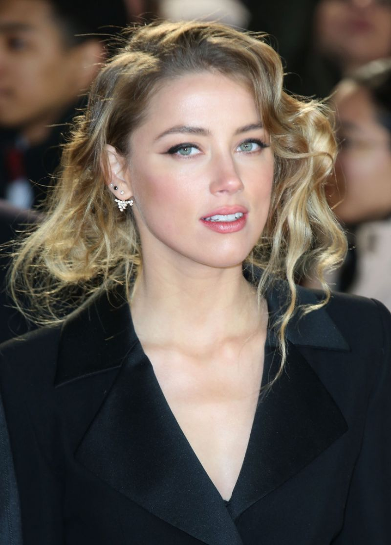 Amber Heard – 'Mortdecai' Premiere in London