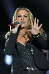 Anastacia Performs at Her Resurrection Tour in Padova, January 2015