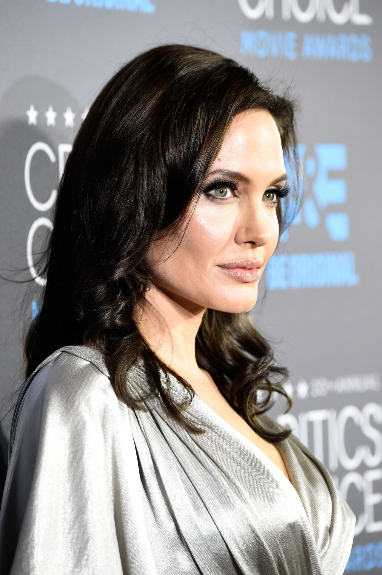 Angelina Jolie Look Using All Drugstore Makeup: 2015 Critics Choice Movie Awards In Los