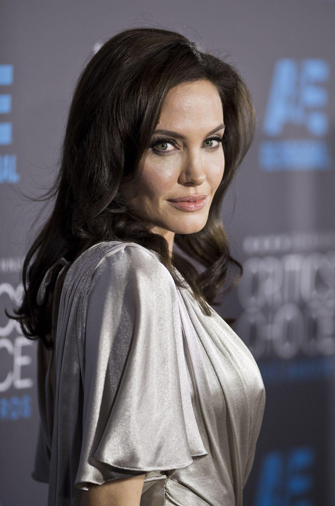 Angelina Jolie Ndash 2015 Critics Choice Movie Awards In Los