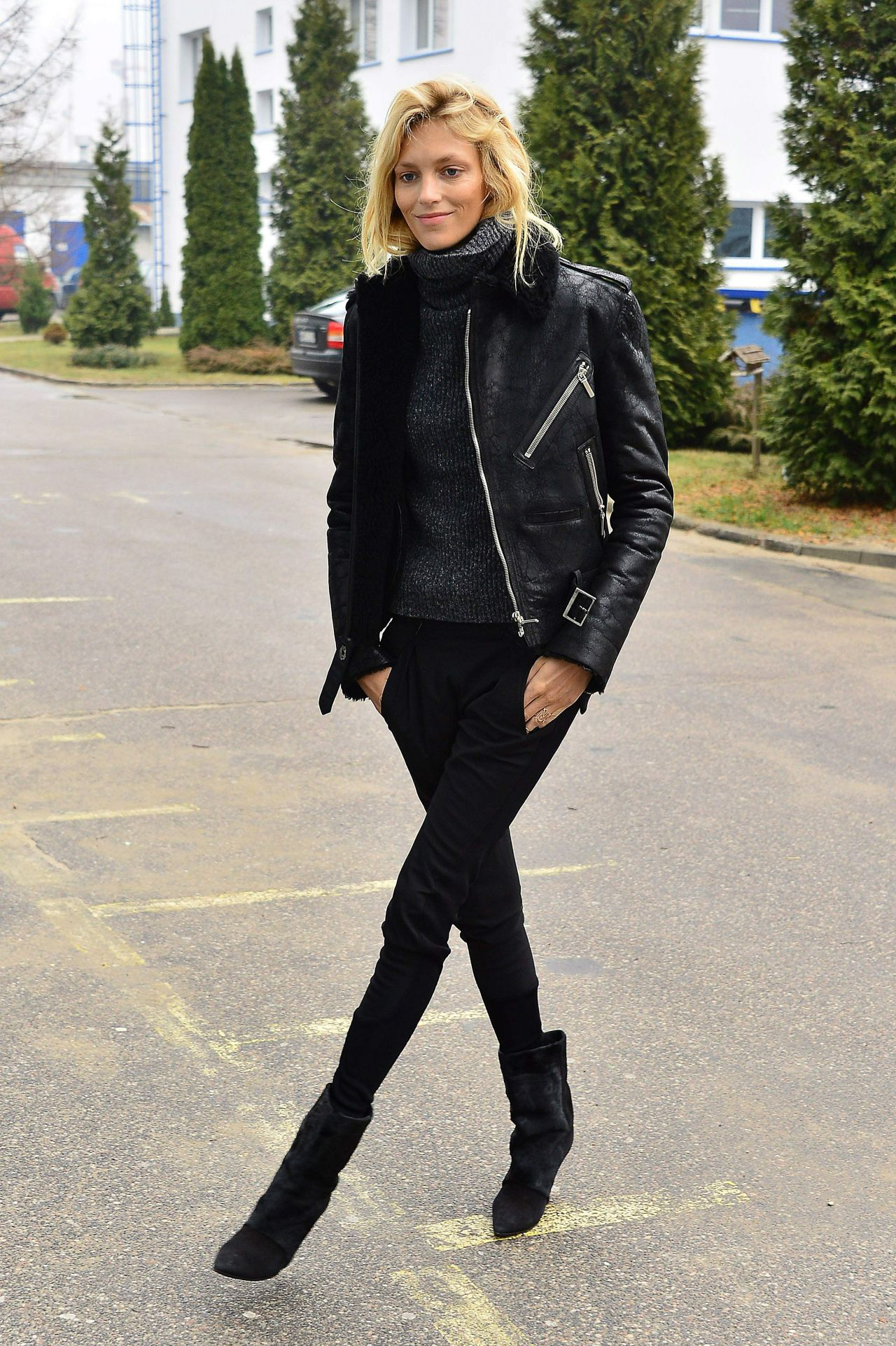 Anja Rubik Style Out In Warsaw Poland January 2015