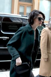 Anne Hathaway Style - Arriving at Her Hotel in New York City,  January 2015