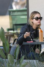 Ashley Benson - Having Lunch With a Friend at La Boulange in Los Angeles, Jan 2015