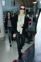 Brooke Shields Street Style - at LAX Airport, January 2015