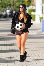 Claudia Romani - Out at a Local Miami Park - January 2015