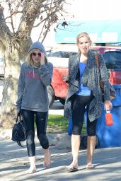 Dakota Fanning Leaving a Pilates Class in Los Angeles, January 2015