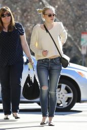 Dakota Fanning - Lunches With Friends at Granville in Studio City, January 2015
