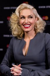 Gwen Stefani - MasterCard Priceless Surprise Performance Announcement in Los Angeles