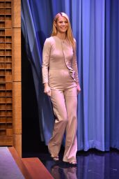 Gwyneth Paltrow in Pantsuit on the Tonight Show with Jimmy Fallon in New York City