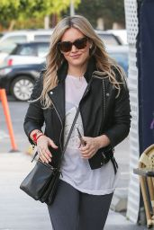 Hilary Duff - Booty in Tights at Los Angeles Conversation Cafe in Beverly Hills - Jan. 2015