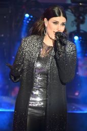 Idina Menzel Performs at New Year's Eve 2015 in New York City