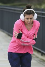 Imogen Thomas - Skating Around the Chelsea Bridge, January 2015