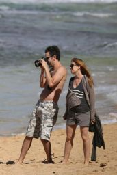 Isla Fisher Pregnant - in Shorts on the Beach in Hawaii - January 2015