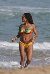 Jada Pinkett Smith Bikini Candids - Hawaii, January 2015