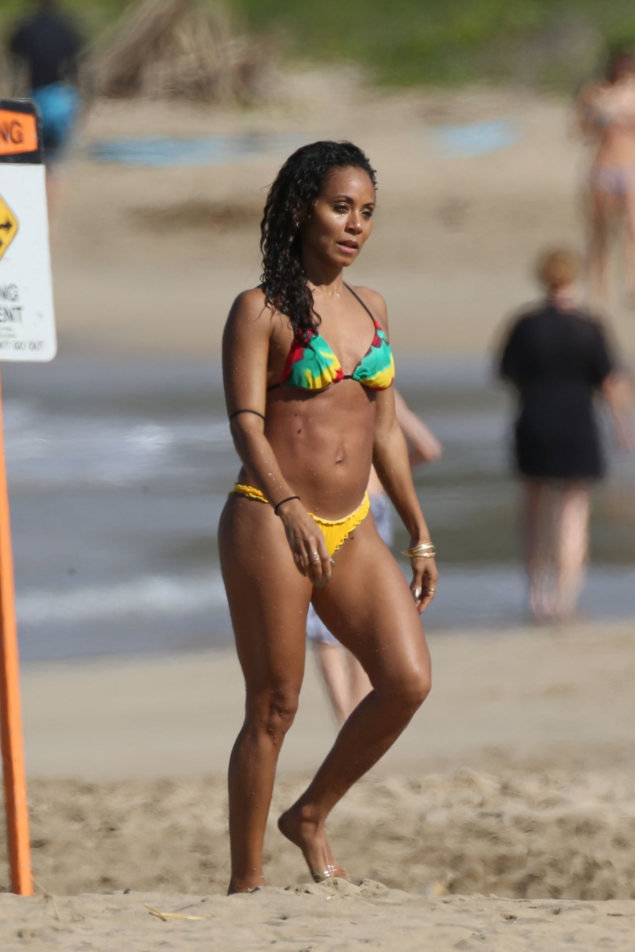Jada Pinkett Smith Bikini Candids Hawaii January 2015