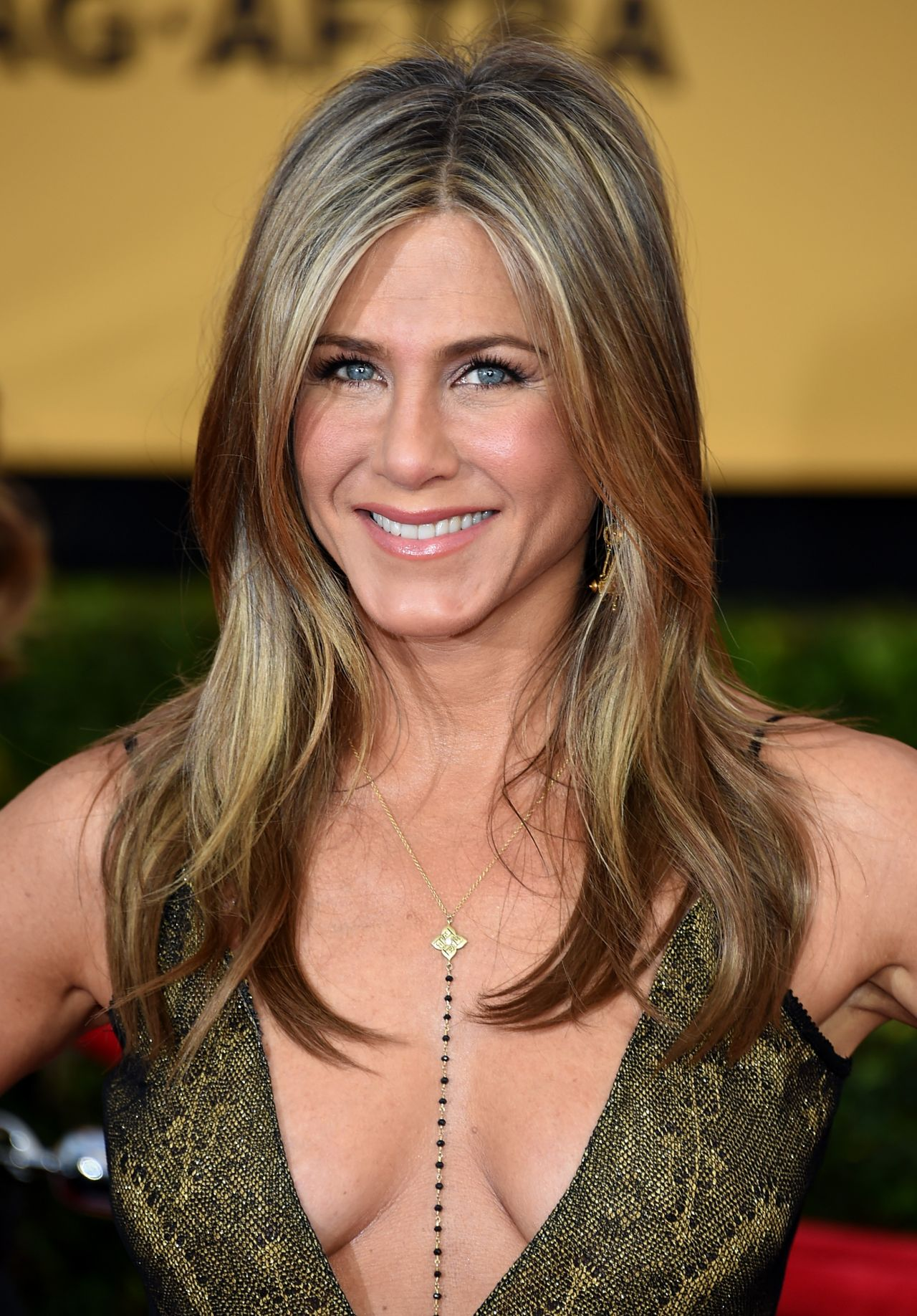 Jennifer Aniston – 2... Jennifer Aniston