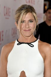 Jennifer Aniston – 'Cake' Premiere in Hollywood